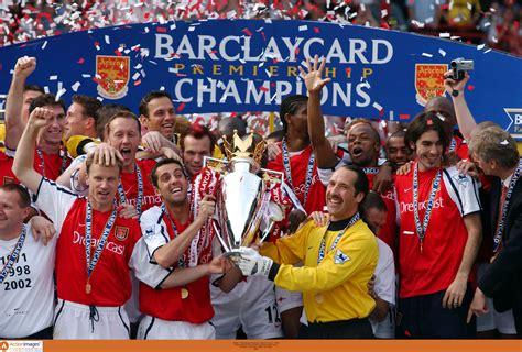 2001/02 Season Review: Arsenal win title at Old Trafford