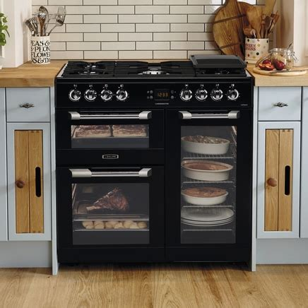 kitchen designs with range cookers range cooker by leisure howdens joinery 8033