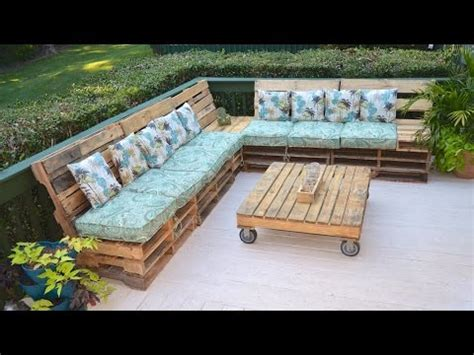 pallet settee pallet pallet sofa the tarrou way time sts in