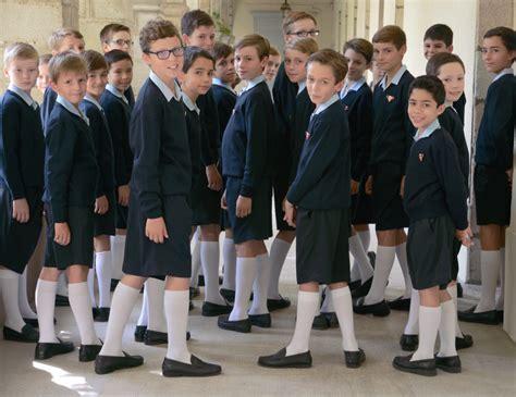 renouvelez la tenue des petits chanteurs 224 la croix de bois