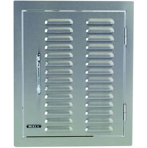 bull single vertical access door  louvered vents