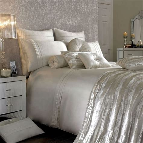 romantic modern bedrooms 1318 best images about and bling home decor on 13081