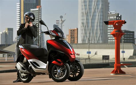 Piaggio Backgrounds by 2011 Piaggio Mp3 Yourban Wallpapers And Images