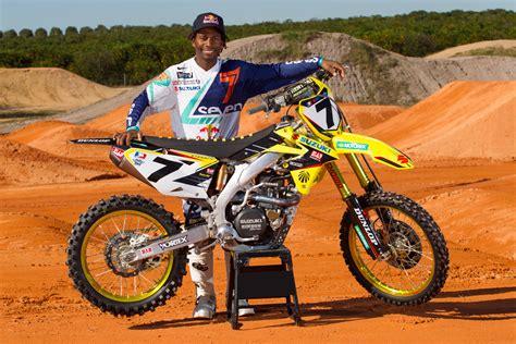 james stewart motocross news yoshimura suzuki factory racing counting down to anaheim
