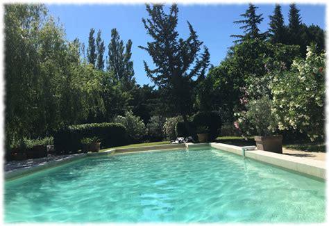 chambre d hotes avignon piscine chambre d 39 hôtes avec piscine et climatisation en avignon