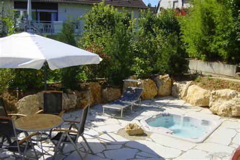 Whirlpool Für Kleinen Garten by Whirlpool Im Garten 100 Fantastische Modelle Archzine Net