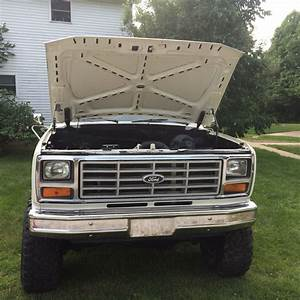 81 Ford F150 4x4   6000obo
