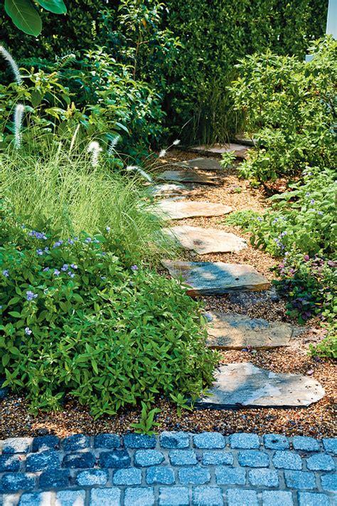 แบบทางเดินในสวน หลากสไตล์ เดินสบายและสวยน่ามอง - บ้านและสวน