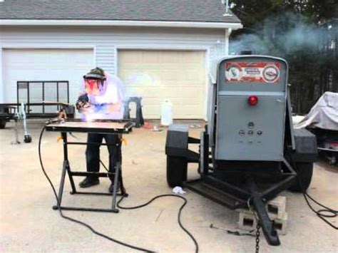 Demonstration Welding With Lincoln Sae 300 Pipeline