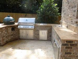 Are Outdoor Kitchens really practical? Archadeck of