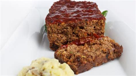 what temperature do you cook meatloaf at top 28 at what temperature do you cook meatloaf how long to cook meatloaf at 375 degrees