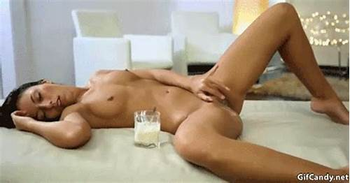 This Wild Young Hottie Masturbates With A Plaything
