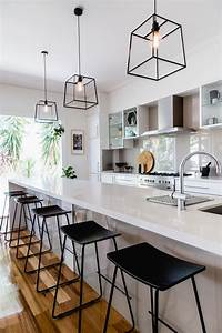 kitchen hanging lights Kitchens that get pendant lights right. Photography by Suzi Appel. Designed by Bask Interiors ...