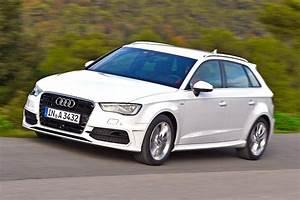 Audi A3 Sportback 2012 : audi a3 sportback alles im berfluss youtube ~ Medecine-chirurgie-esthetiques.com Avis de Voitures