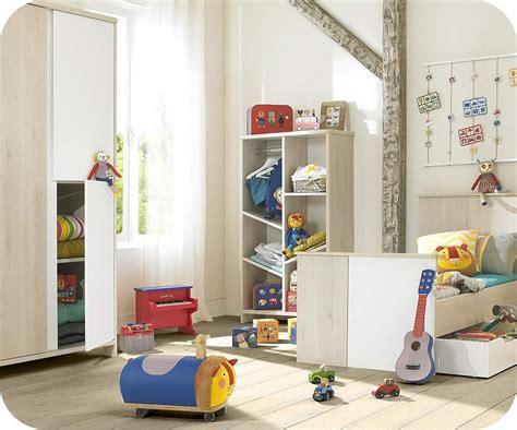 chambre blanche et bois chambre bébé lili bois et blanche