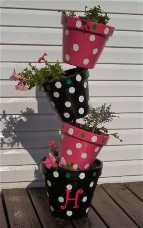 creative  fun clay pot decor ideas   steal  show