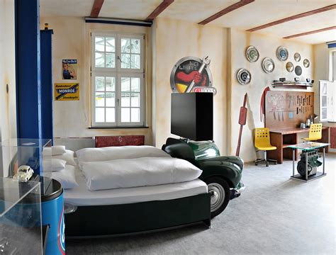 hotel heavenly place   petrolheads
