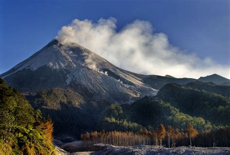 gunung merapi mount merapi java island indonesia