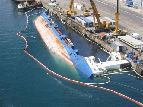Ship Accident by Cargo Ship Accidents Barnorama