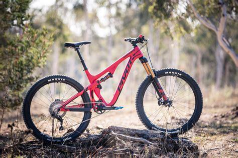 First Ride Pivot's New Mach 55  Flow Mountain Bike