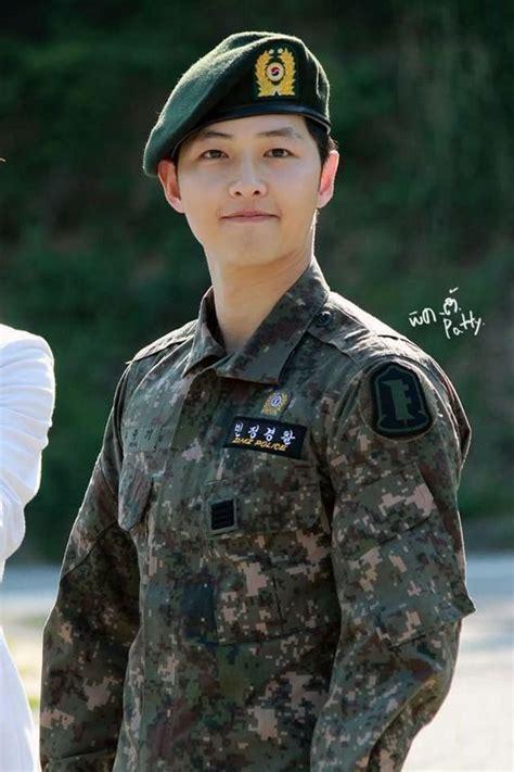 flower boy deretan aktor korea  jadi tentara aktif