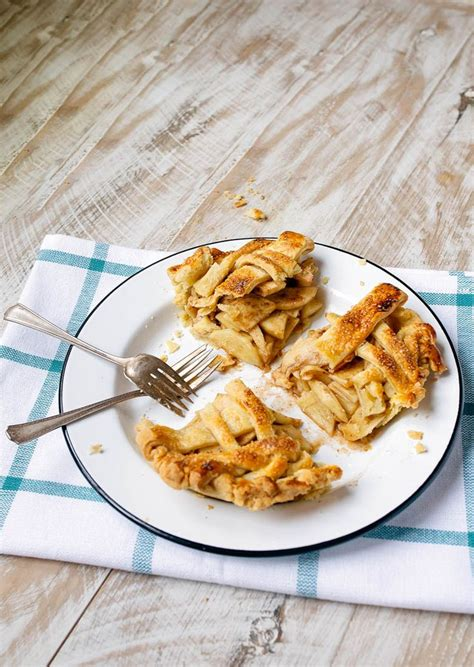 """How to make apple pie the easy way. Mini apple pies for two, baked in small 6"""" pie pans to serve two. Plus, an easy way to make ..."""