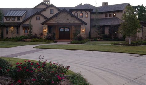 hill country style traditional exterior