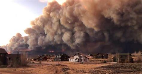 east troublesome fire  colorado sends  huge smoke plume