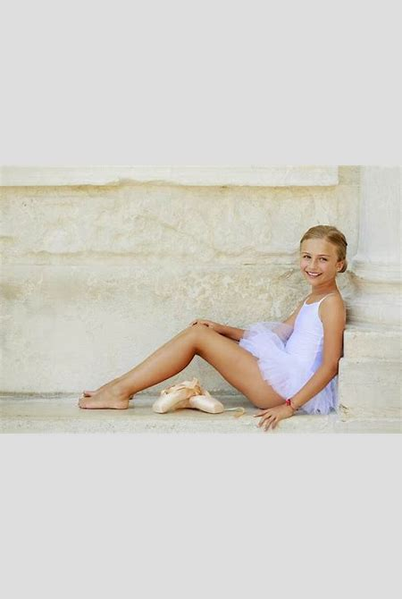 Is Your Young Ballerina Ready For Toe Shoes? | SafeBee