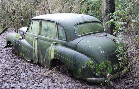 Classic Car 'barn Find' Photo Gallery