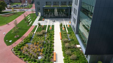 delaware college of and design udse science and engineering courtyard ayers gross