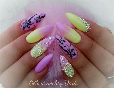ombre yellow nails blurmark