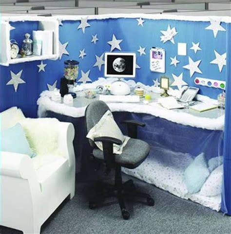 cubicle decoration ideas for new year 63 best cubicle decor images on office