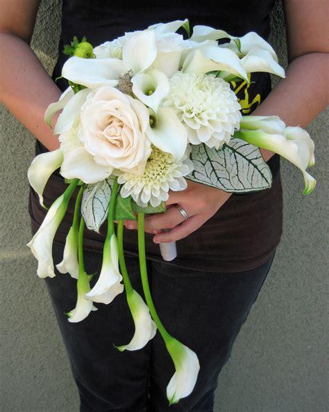 modern calla lily wedding floral design  jacqueline