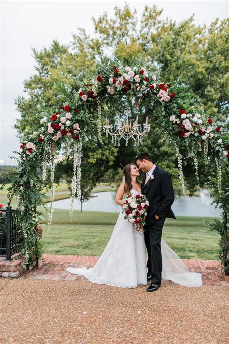 Glamorous Tennessee Wedding Dripping With Florals