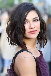 Carré Mi Long Plongeant : carr plongeant boucl coiffure femme ultra tendance ~ Dallasstarsshop.com Idées de Décoration