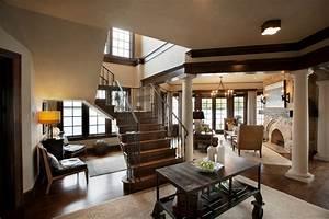 Elegantly English: Beautiful river-side house has