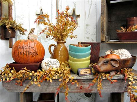 Table Decorating Ideas Candles Apples Autumn Indoor Outdoor Atmosphere 650x325 by 6 Reasons And 25 Inspirations Why Fall Is The Best Time To