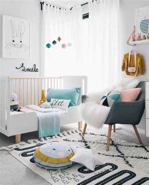 chambre b b bleu canard 1001 idées pour une chambre bébé en bleu canard des