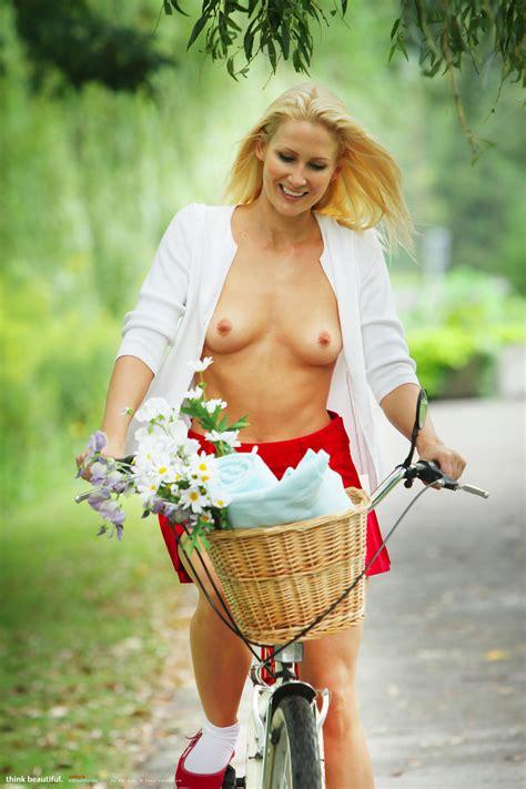 Nikkala Onlypetites Com Klaudia Gerbera Peta Todd Nikkala Stott Tasteful Petite Nude