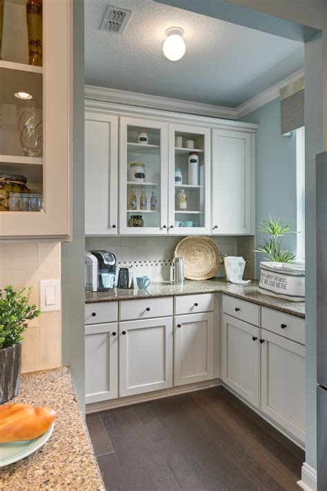 messy kitchens builder magazine kitchen show homes