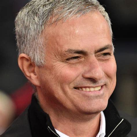 Il divorzio, annunciato nelle scorse ore, è arrivato perché archiviato in fretta lo scudetto l'inter sta affrontando seri problemi finanziari e le critiche non mancano. Mourinho nuovo allenatore del Tottenham