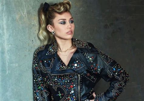 'rude' Miley Cyrus Dismissed Pregnancy Rumours On