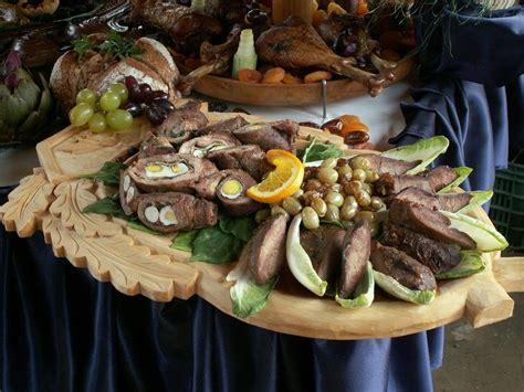 A Medieval Christmas Feast  Ehow Uk  Medieval, Tudors