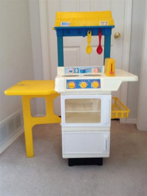 cuisine bilingue fisher price vintage fisher price quot with food quot kitchen playset