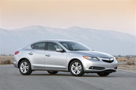 first official photos of 2013 acura ilx sedan and rdx crossover carscoops
