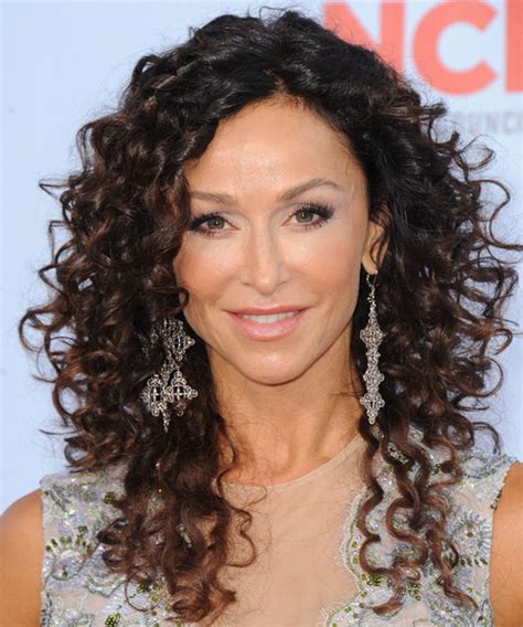 dewi image casual long curly hairstyles