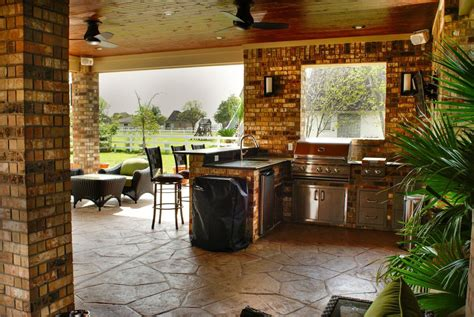 16+ Extraordinary Outdoor Kitchen Under Covered Patio