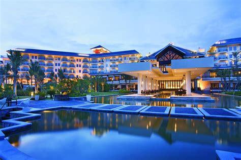 Sheraton Huizhou Beach Resort  Pinghai Reserva Tu Hotel. See More Guest House. Hotel St. Raphael. Hotel Tyrol. Redwall Hotel. The Blue Boar Hotel. Hotel Dei Chiostri. Lochnagar Barossa. Worgret Manor Hotel