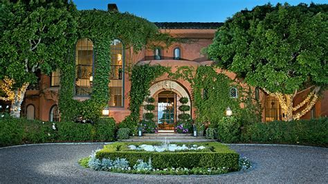 Jenny Craig's luxurious former home (including its car